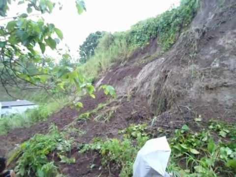 Detik-detik Longsor susulan di Manado, merengut 1 nyawa Minggu 17 Februari 2013