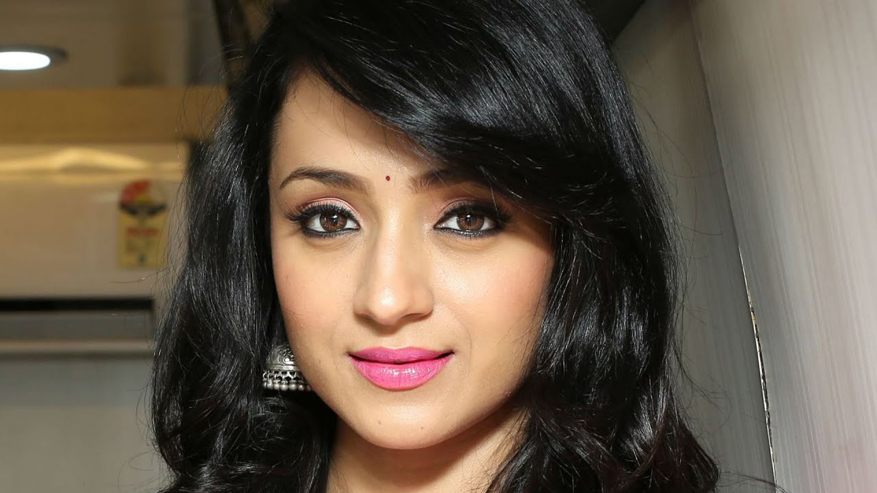 Cute Trisha Krishnan HD wallpaper for download