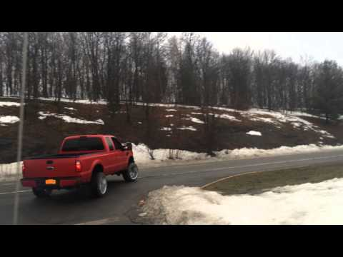 800hp single turbo 6.4 powerstroke skatin on the road