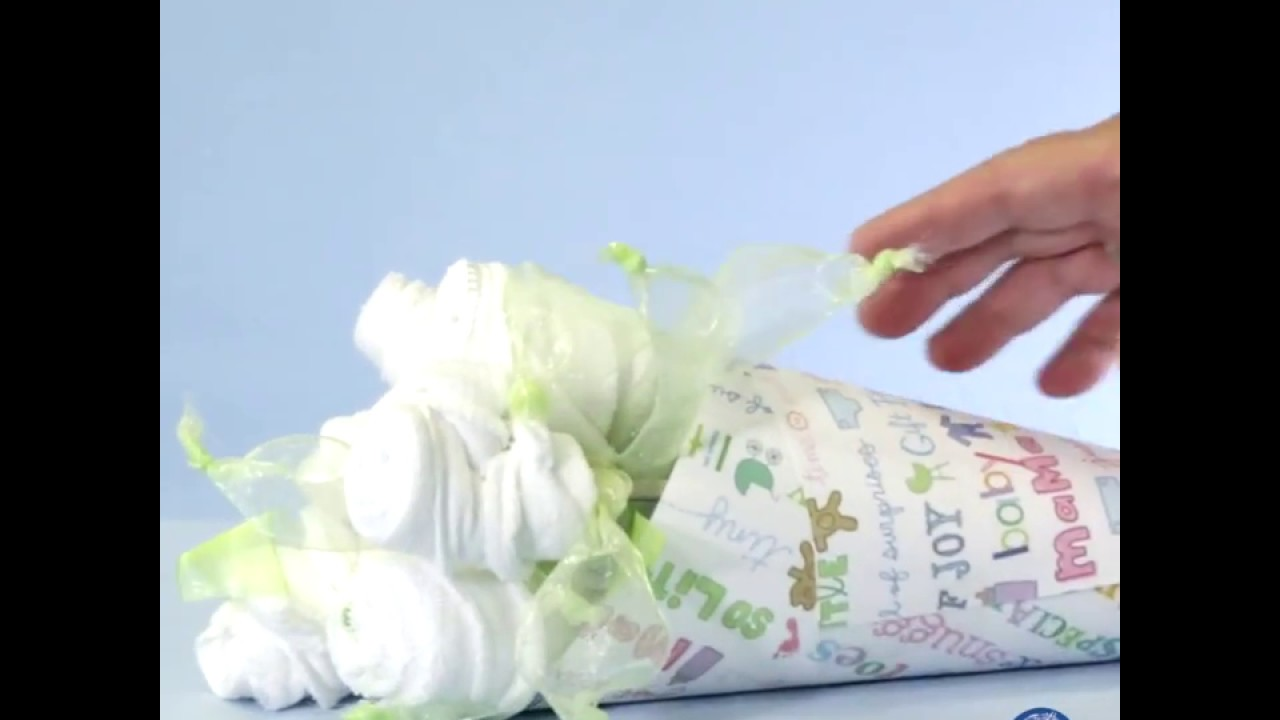 DIY Baby Shower Gift: Washcloth Bouquet - YouTube