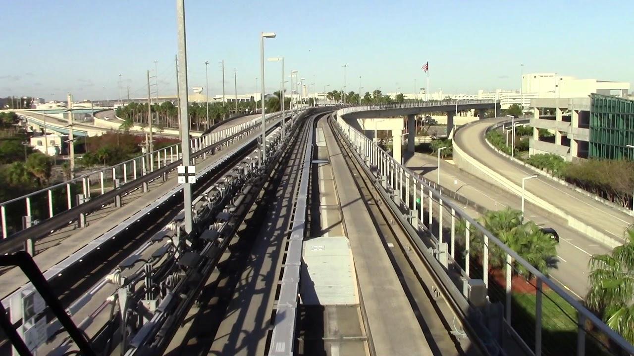 riding the mia mover at miami international airport