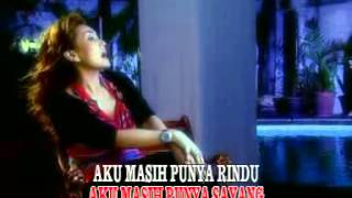 Download Nia Daniaty - Antara Hujan Dan Cinta [OFFICIAL]