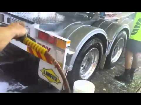 Cleaning a fuel Tanker using Nerta Jumbo