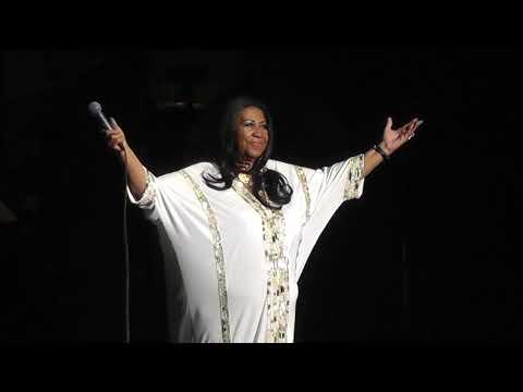 Aretha Franklin - Think Live 07/27/2011 Nikon At Jones Beach Wantagh, NY (HD 1080)