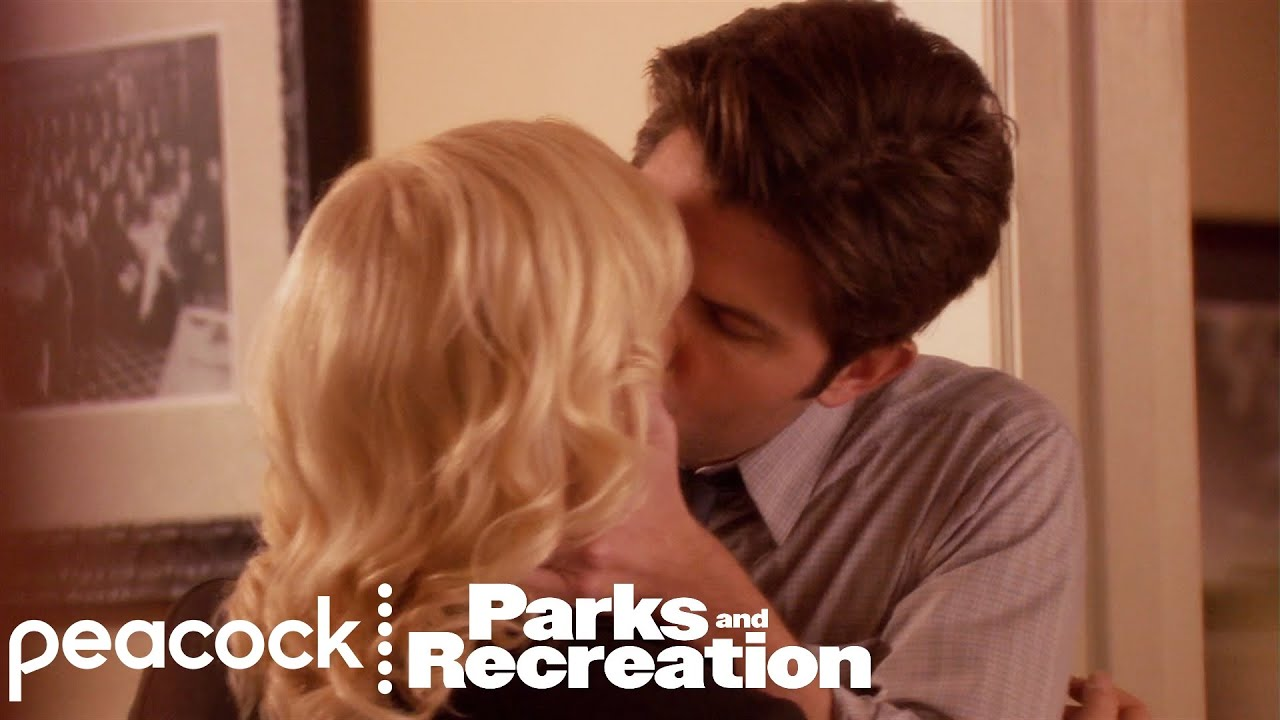 Ben and Leslie's First Kiss - Parks and Recreation