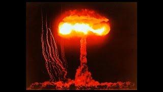 核実験 爆風下の兵士達 家・車両・戦闘機等の破壊映像