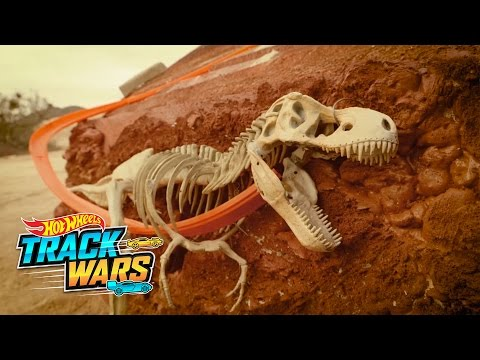 Jurassic Racers | Track Wars | Hot Wheels