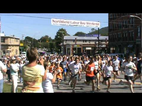 Northfield Savings Bank Flying Pig Footrace 2009 (5K).mpg