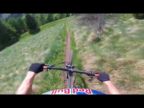Let Tom Oehler be your guide through South Tyrol. | POV MTB Guide E1