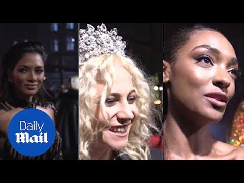 British Fashion Awards 2016: Celebrities Chat On The Red Carpet - Daily Mail