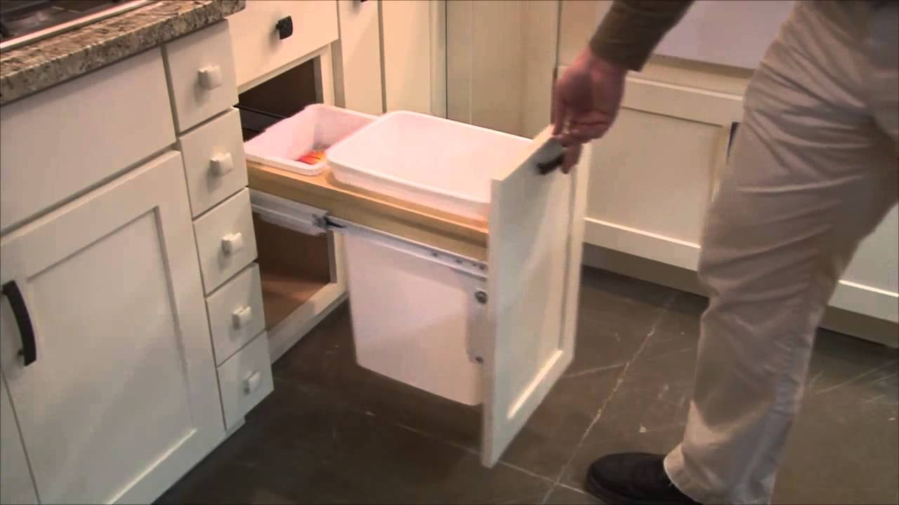Ordinaire Special Features For Kitchen Cabinets By CliqStudios Com   YouTube