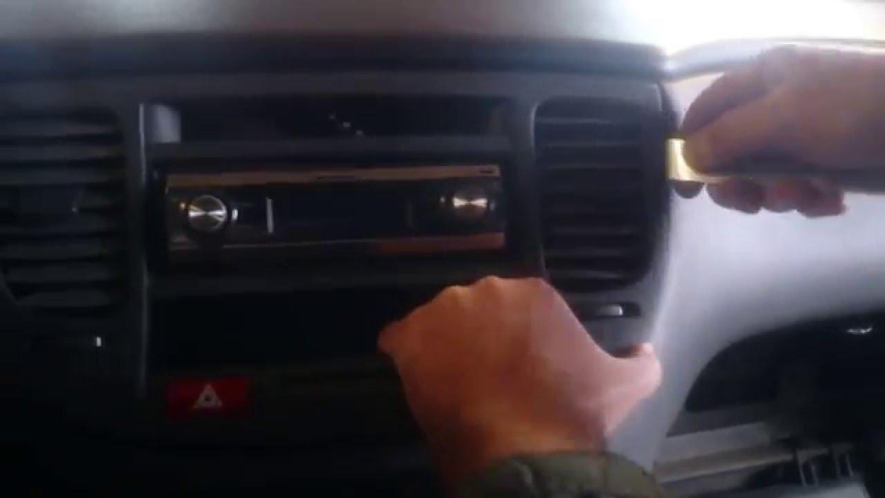как снять магнитолу на киа рио 2 2010 видео