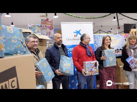 VÍDEO: Fundación La Caixa y Toy Planet colaboran en la distribución de 300 juguetes a familias lucentinas