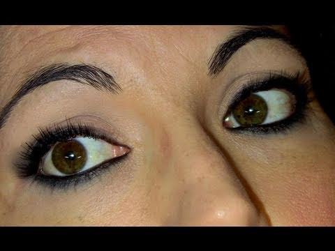 maquillaje con lapiz negro