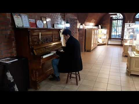 "THOMAS KRÜGER – ""EARTH SONG"" PIANO VERSION AT MARZIPAN MUSEUM IN KALININGRAD (КАЛИНИНГРАД)"