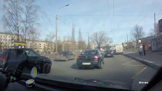 Смотреть видео Авария, ДТП 15.04.2019 Санкт-Петербург, набережная Чёрной речки онлайн