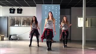 اجمل رقص بنات على اغنية شاكيرة