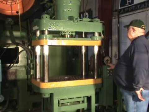 Used Hydraulic Press Machine #3819 • 100 Ton Lawton