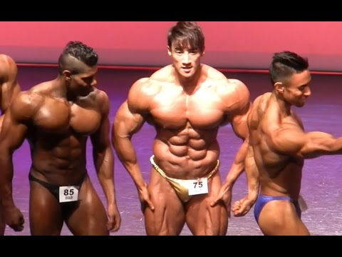 Musclemania Pro Bodybuilding Posedown 2016 Fitness Universe