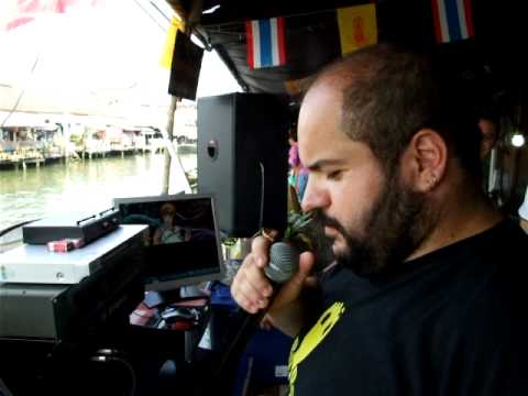 """Mochan in Thailand =Marco sang """"Volare"""" at floating market="""