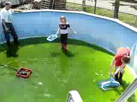 Grand Nettoyage De La Piscine Youtube