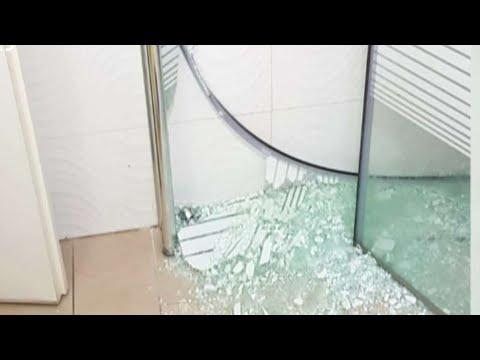 'האמבטיה התפוררה כמו אורז': חברת אביזרי האמבט שמתנערת מאחריות