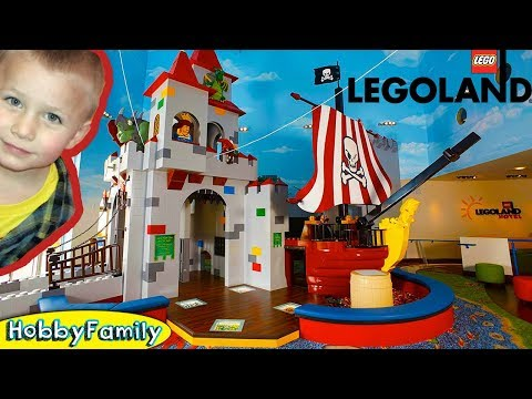 SCAVENGER TREASURE HUNT at LEGOLAND HOTEL Room Tour! Chest with Clues at Pirate Ship HobbyFamilyTV
