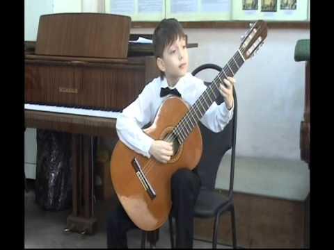 Mikhail Likhachev (9 old) play Folies d'Espagne by F.Sor