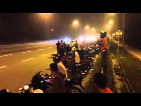 Sports Bike stunt Fail at Bandra Kurla Complex Mumbai