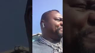 Keno Veith, ein schwarzer Ostfriese spricht fliessend platt. Könnt ...