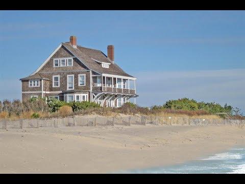 Iconic Hamptons Waterfront Home in Wainscott, New York