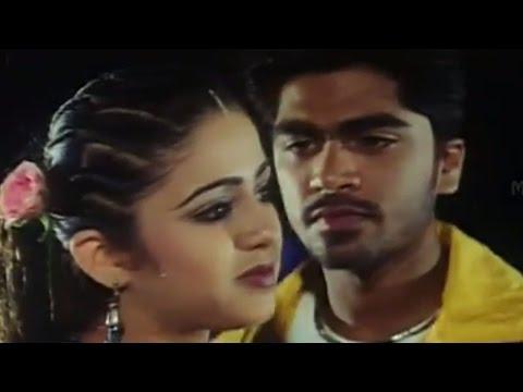 Charmee & Simbu Love scene In Beach    Kurradochadu Movie