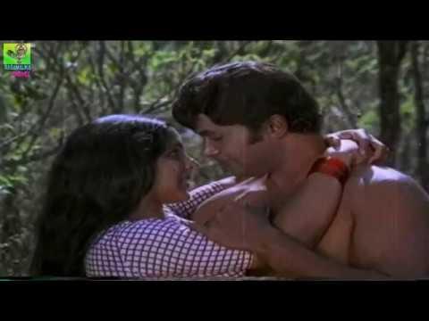 JAYAN Super hit Romantic Song | Kaalam Thelinju- from Superhit Movie IDIMUZHAKKAM