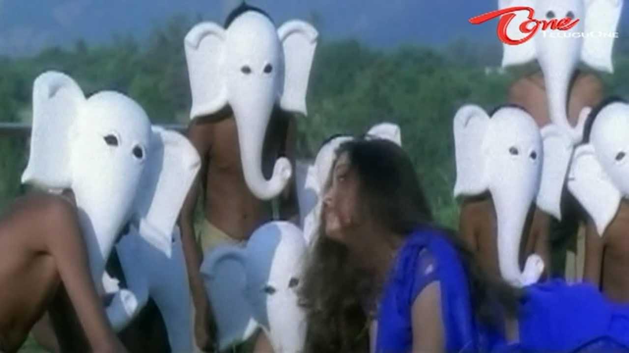 Priyuralu pilichindi songs palike gorinka aishwarya rai.