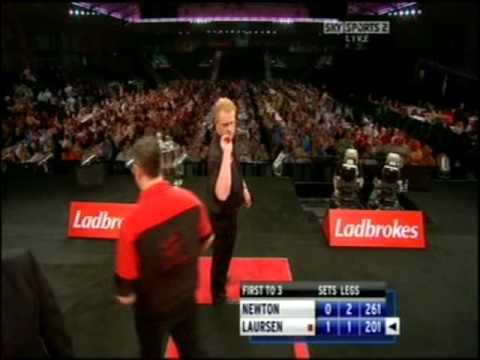 World Championships 2009 - Rd 1 - Wes Newton v Per Laursen pt. 3