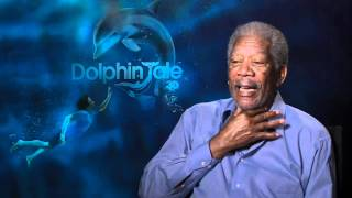 Repeat youtube video Morgan Freeman reveals the secret of his amazing voice