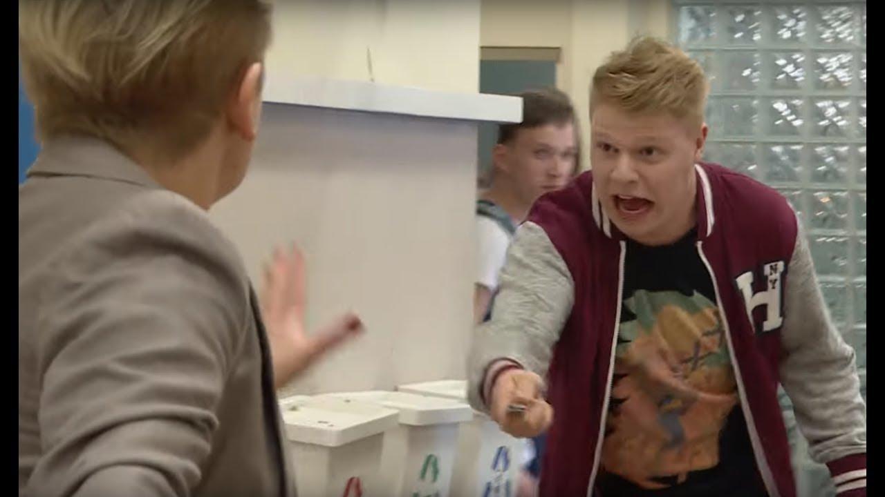 Agresywny uczeń groził uczennicy nożem [Szkoła odc. 579]