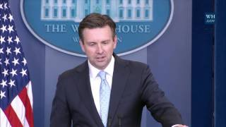 1/4/17: White House Press Briefing