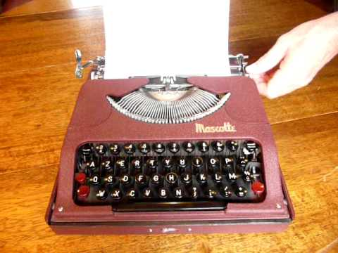 typewriter machine crire rooy mascotte youtube. Black Bedroom Furniture Sets. Home Design Ideas