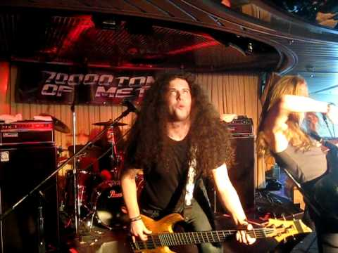 Diamond Plate - Live - 70,000 Tons of Metal