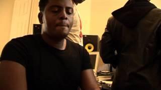 kanumba akiwa katika studio za Urban Pulse UK