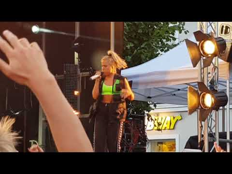 Julie Bergan - Ignite (Live Canal Street Arendal 28.07.2018)