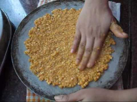 how to make thalipeeth in marathi