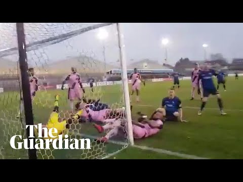 Wingate & Finchley fail to score in epic goalmouth scramble with Dulwich Hamlet