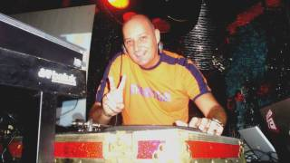 Download DJ VADÃO  2010 MP3 song and Music Video