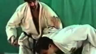 Техника нетрадиционных защит против атак ножом обучающий фильм sport lessons