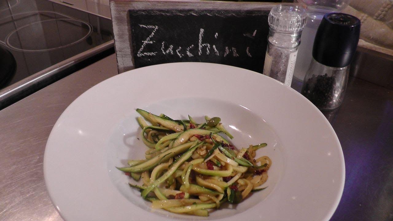 Zucchini-Spaghetti Rezept nur aus Gemüse - Der Bio Koch