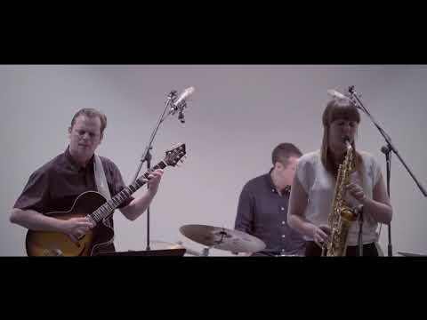 Rachael Cohen Quartet performs 'Groove Envy' ft. Phil Robson