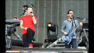 Linkin Park- Bleed It Out + A Place For My head (live Red Square, Moscow 2011)