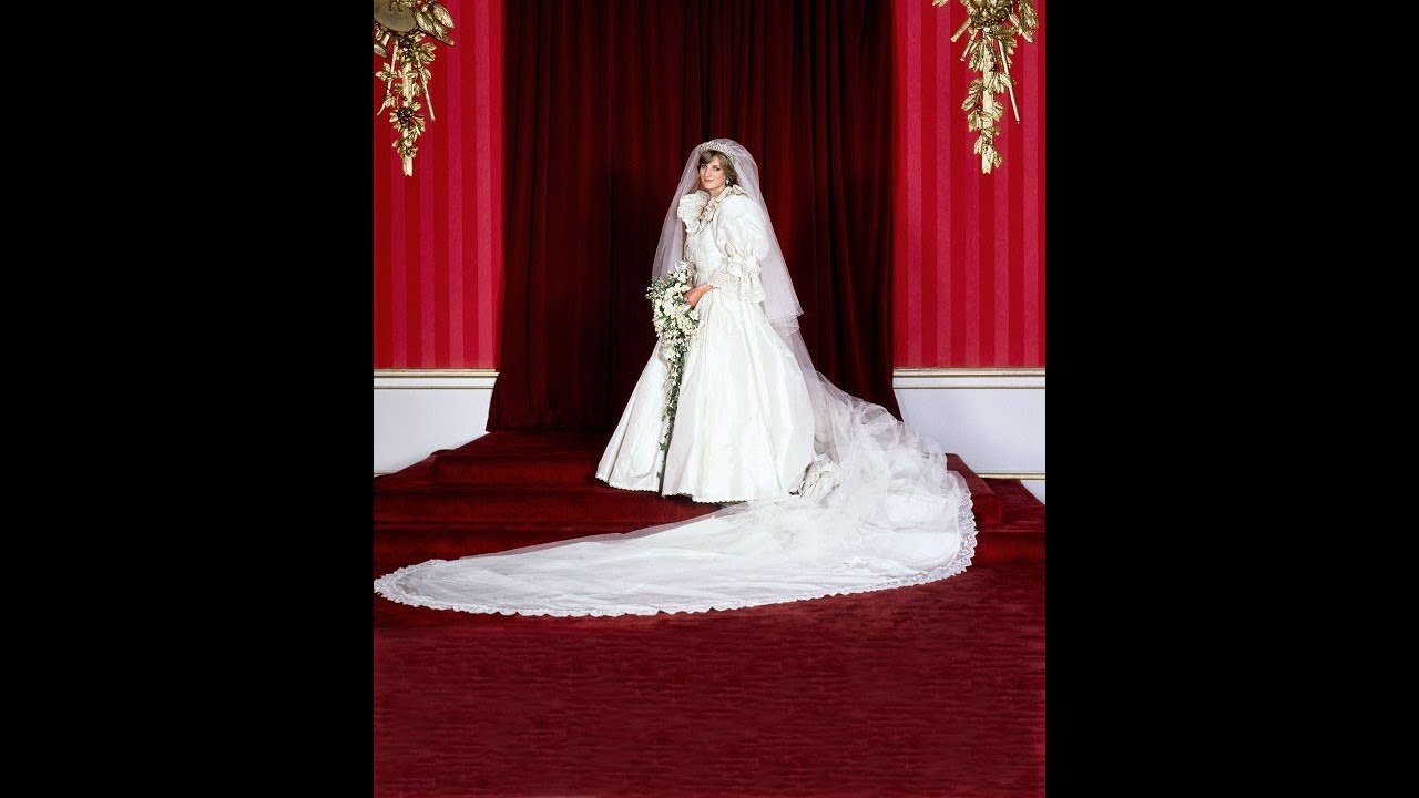 Princess Diana\'s wedding dress a look back at her iconic David and ...